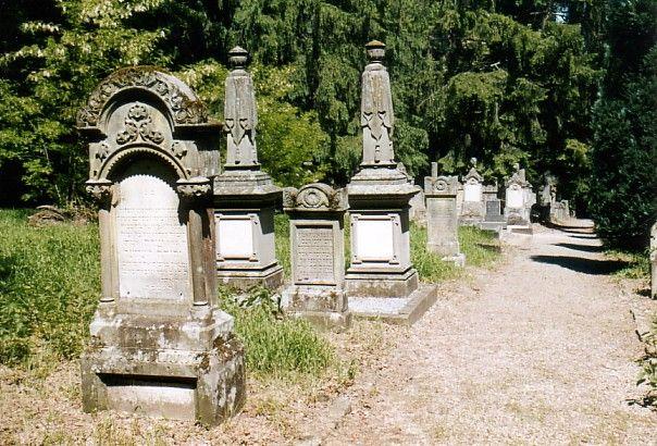 http://www.alemannia-judaica.de/images/Alsace%203/Marmoutier%20Cimetiere%20109.jpg
