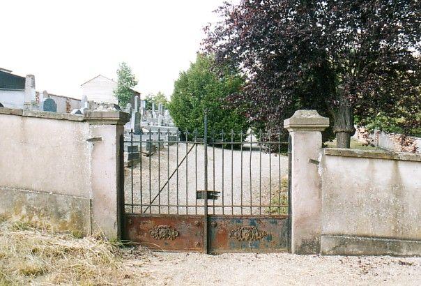 http://www.alemannia-judaica.de/images/Alsace%203/Mommenheim%20Cimetiere%20112.jpg