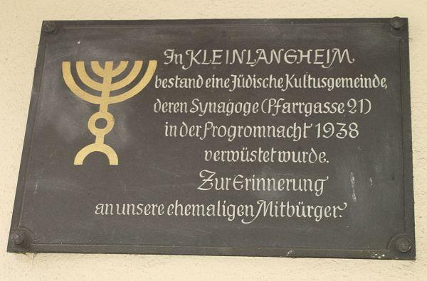 http://www.alemannia-judaica.de/images/Images%20108/Kleinlangheim%20Synagoge%20122.jpg