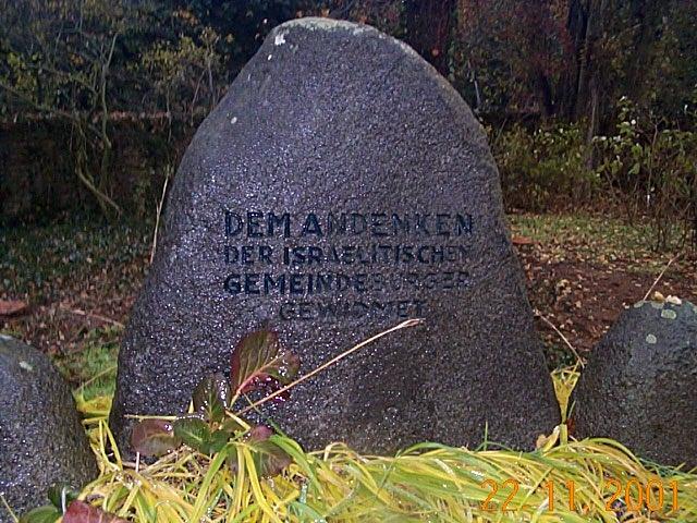 http://www.alemannia-judaica.de/images/Images%20112/Kelsterbach%20GG%20Gedenken%20010.jpg