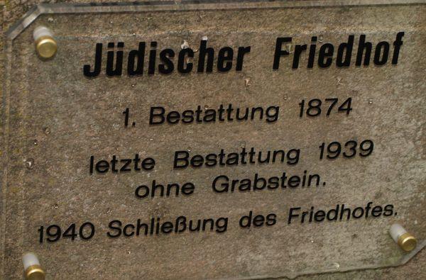 http://www.alemannia-judaica.de/images/Images%20150/Fronhausen%20Friedhof%20111.jpg