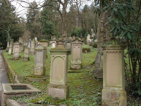 http://www.alemannia-judaica.de/images/Images%20198/Heidelberg%20Friedhof%20209106.jpg