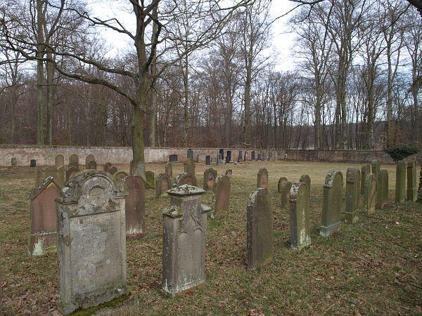 http://www.alemannia-judaica.de/images/Images%20246/Grosskrotzenburg%20Friedhof%20183.jpg