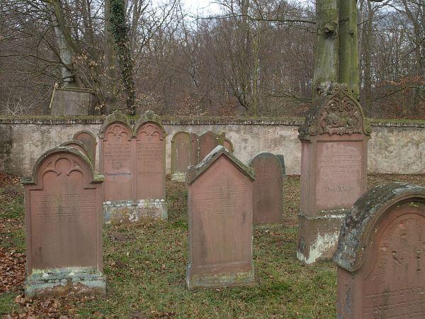 http://www.alemannia-judaica.de/images/Images%20246/Grosskrotzenburg%20Friedhof%20184.jpg