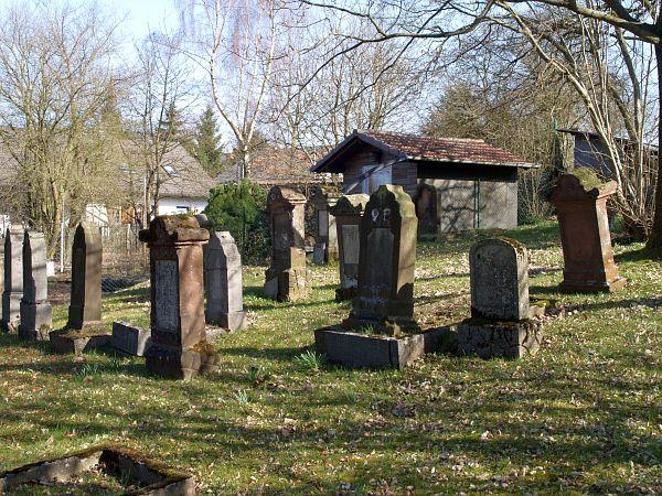 http://www.alemannia-judaica.de/images/Images%20252/Frankenau%20Friedhof%20476.jpg
