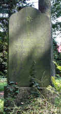 Schortens Friedhof e199re.jpg (130415 Byte)