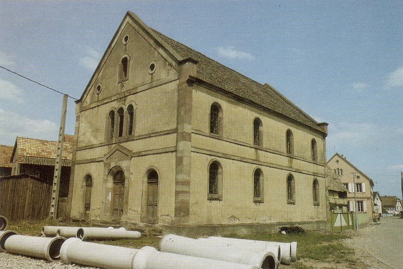 http://www.alemannia-judaica.de/images/Images%20310/Mackenheim%20Synagoge%20190.jpg