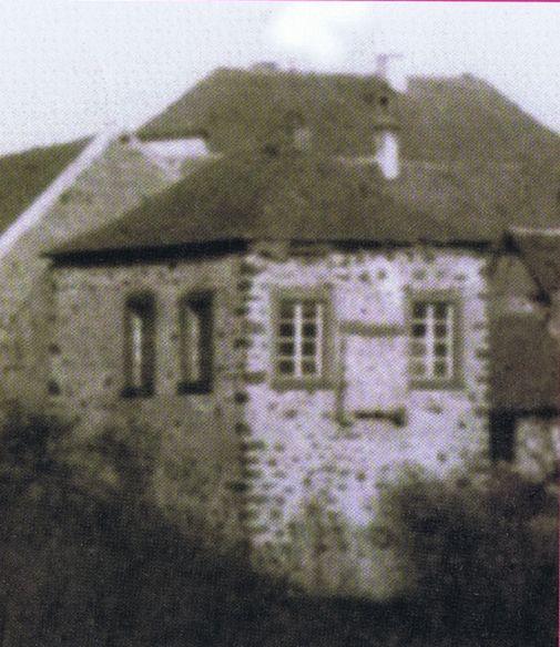 http://www.alemannia-judaica.de/images/Images%20345/Miesenheim%20Synagoge%20030.jpg
