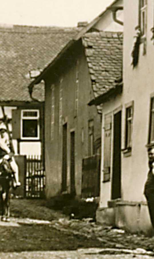 http://www.alemannia-judaica.de/images/Images%20407/Einartshausen%20Synagoge%20020a.jpg