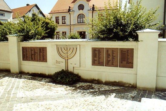 http://www.alemannia-judaica.de/images/Images%2045/Ichenhausen%20Synagoge%20105.jpg