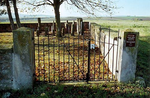 http://www.alemannia-judaica.de/images/Images%2049/Weitersweiler%20Friedhof%20102.jpg