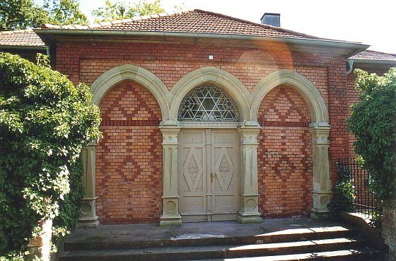 http://www.alemannia-judaica.de/images/Images%2058/Aschaffenburg%20Friedhof%20018.jpg