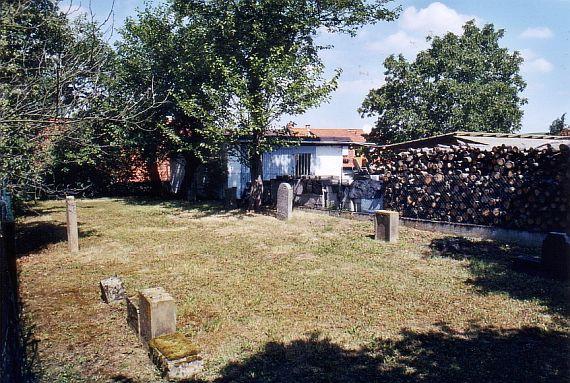 http://www.alemannia-judaica.de/images/Images%2059/Wendelsheim%20Friedhof%20104.jpg
