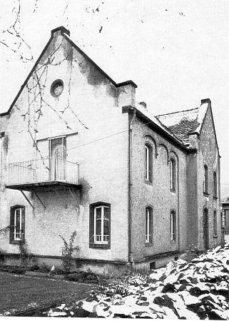 http://www.alemannia-judaica.de/images/Images%2071/Seeheim%20Bergstrasse%20Synagoge%20010.jpg