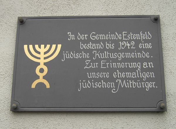 http://www.alemannia-judaica.de/images/Images%2091/Estenfeld%20Synagoge%20131.jpg