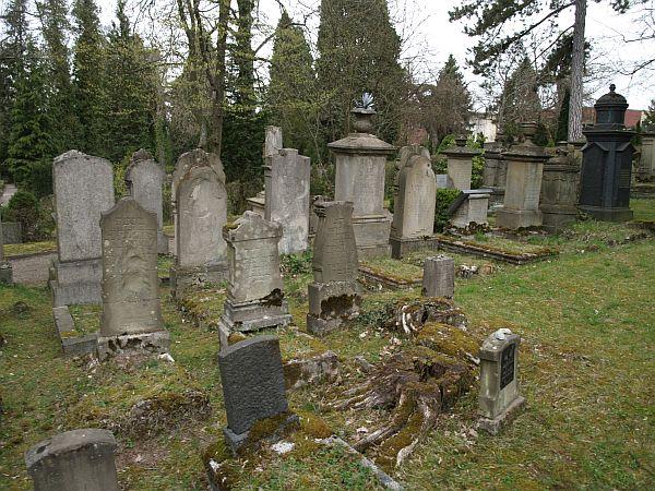 http://www.alemannia-judaica.de/images/Images%2097/Coburg%20Friedhof%20410.jpg