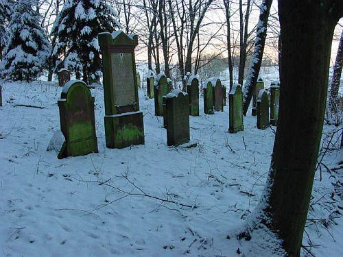 http://www.alemannia-judaica.de/images/Images%20Hessen01/Eckartshausen%20Friedhof%20050.jpg