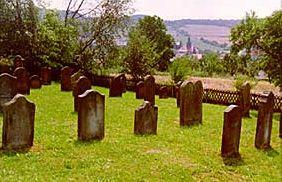 http://www.alemannia-judaica.de/images/Images%20Hessen01/Grossropperhausen%20Friedhof%20050.jpg